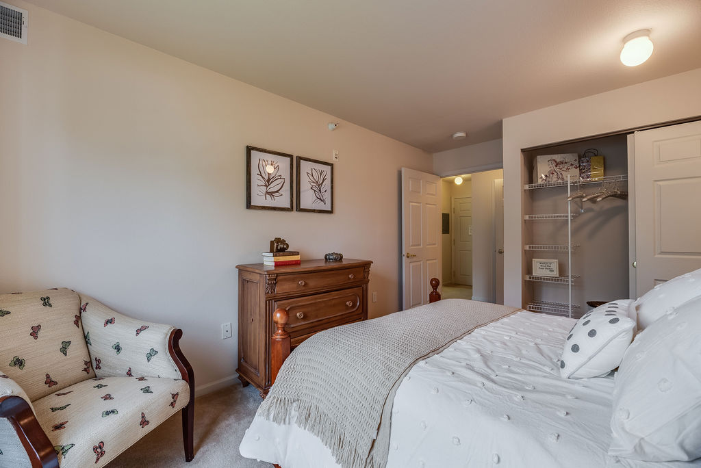 Interior bedroom at Elmhaven Manor